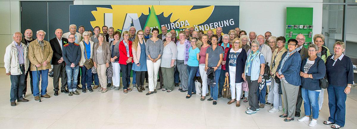 Die Besuchergruppe im Fraktionsbereich des Bundestages